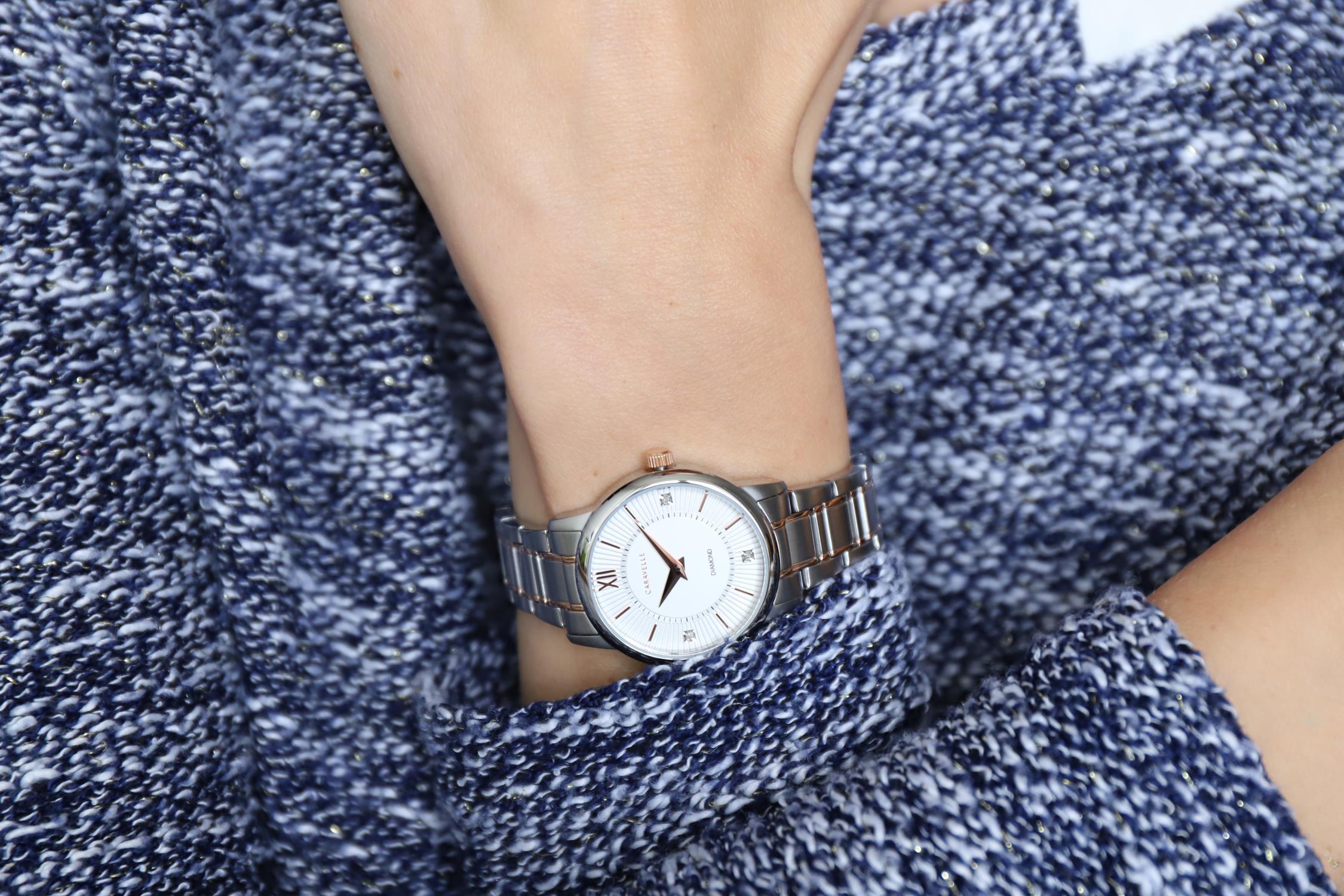 Zegarek damski Caravelle bransoleta 45P110 - duże 5
