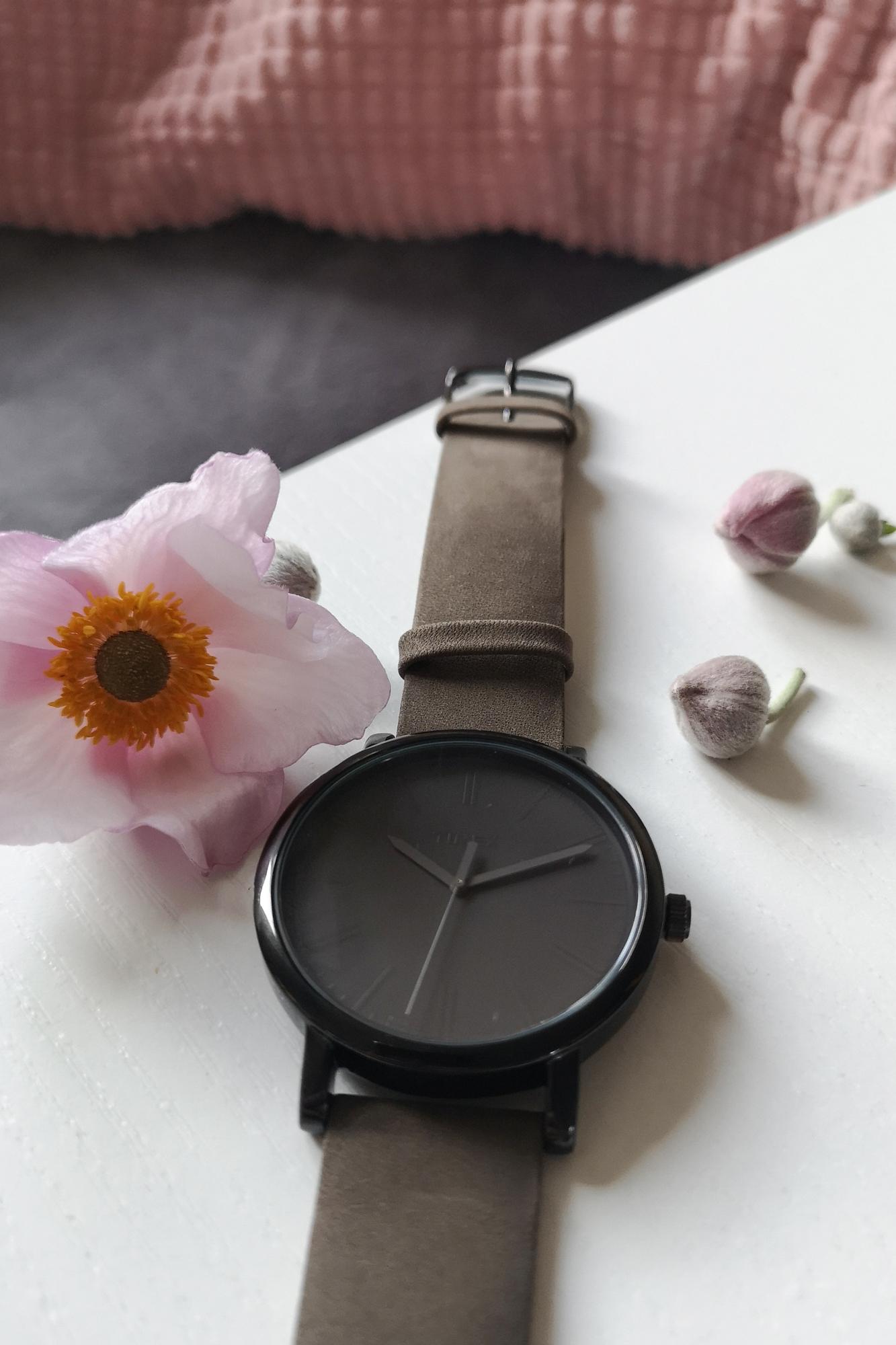 Zegarek damski Timex originals T2N795 - duże 4