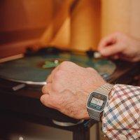 Zegarek męski Casio retro maxi A168WA-1YES - duże 2